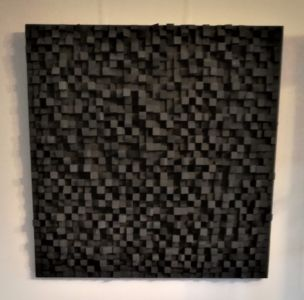 Bas relief noir